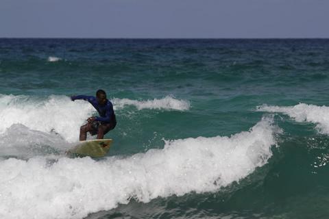 Surfing_Portland_Jamaica_Daina_Taxi___Tours